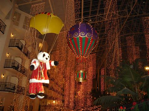 when does opryland turn on christmas lights christmas and the new year at the opryland in tennessee
