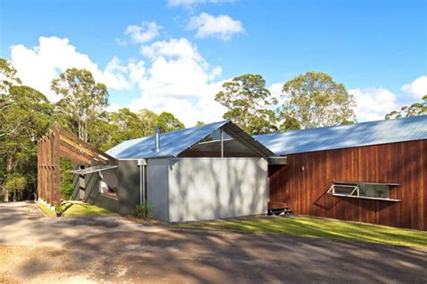 whyatt house australian bush style home built from