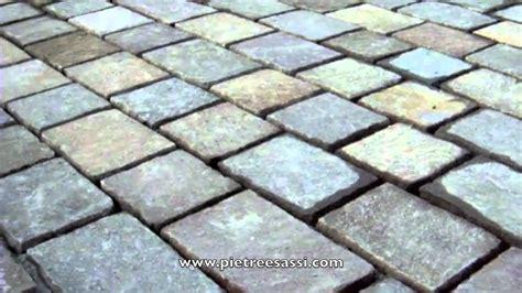 prezzi sassi da giardino pietre e sassi pavimentazione da giardino in pietra