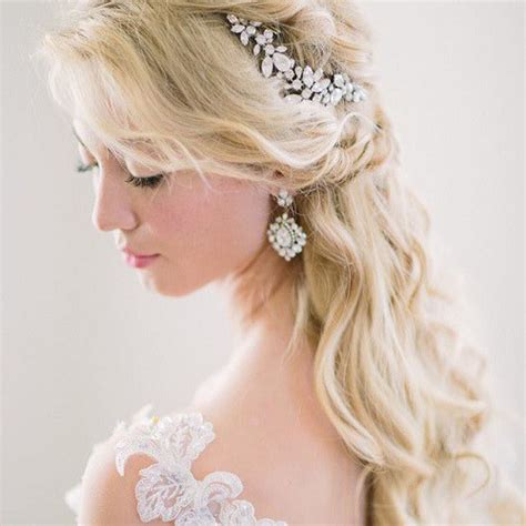 Wedding Hairstyles Updos With Tiara by Half Up Half Wedding Hairstyles 50 Stylish Ideas