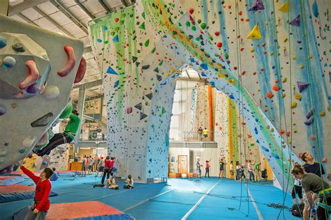 best indoor rock climbing 12 best rock climbing gyms in america hiconsumption