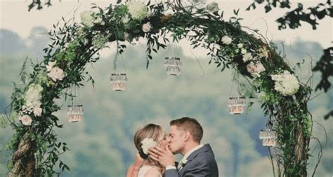 Top ideas for adding wow to that wedding arch topweddingsites com