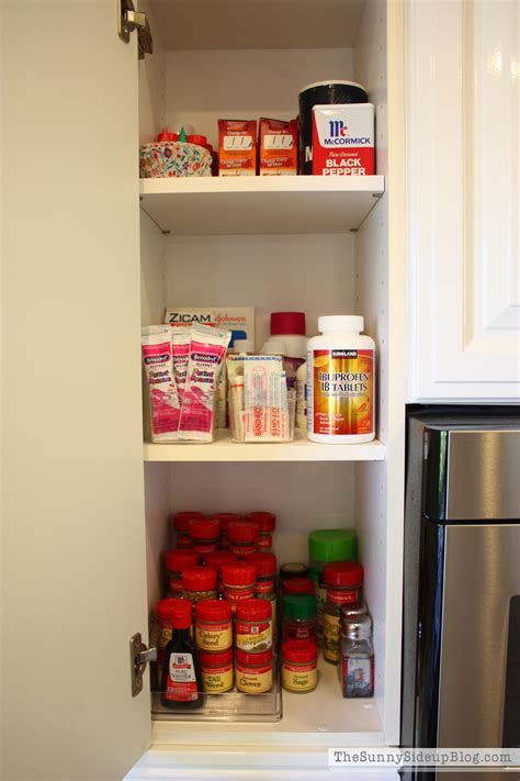 organize medicine cabinet 100 organize medicine cabinet spring cleaning video
