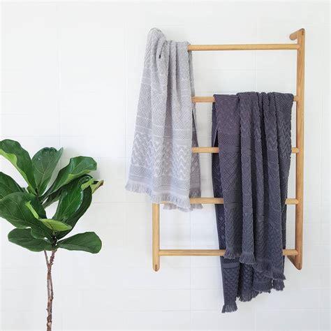 Rak Handuk 36 model rak kamar mandi minimalis kecil tempat sabun