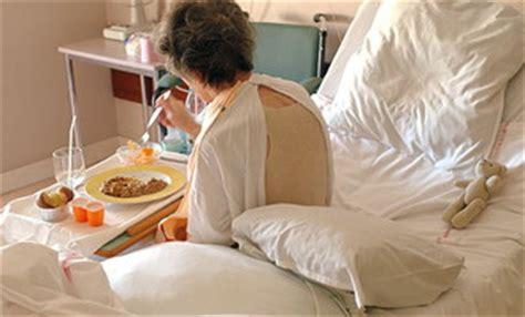 alimentazione parenterale peg pazienti malnutriti in ospedale disattenzione ricade