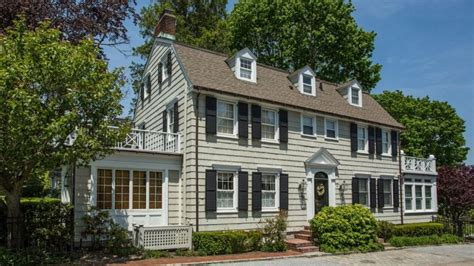 amityville house address long island house where amityville horror murders occurred asks 850 000 6sqft