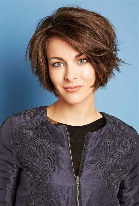 style hair over face 25 short hairstyles for heart shaped faces heart shaped