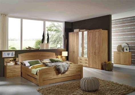 Schwebetürenschrank Schlafzimmer Angebote by Wohnzimmer Wandgestaltung Farben