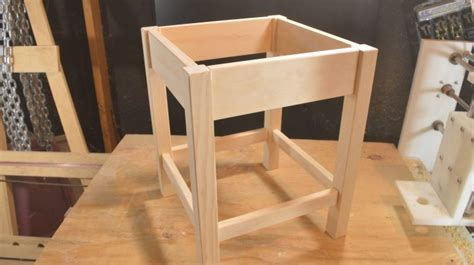 dowel joint walk  build   table