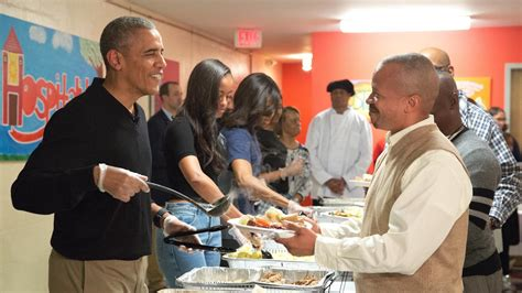 what to serve at a dinner obamas serve thanksgiving dinner to the homeless