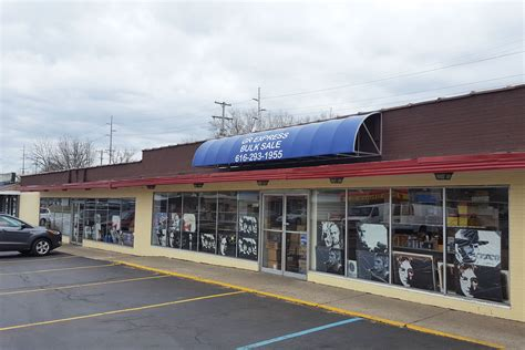 Records Grand Rapids Mi 4321 Kalamazoo Ave Se Grand Rapids Mi Retail Commercial For Sale Carwm Powered