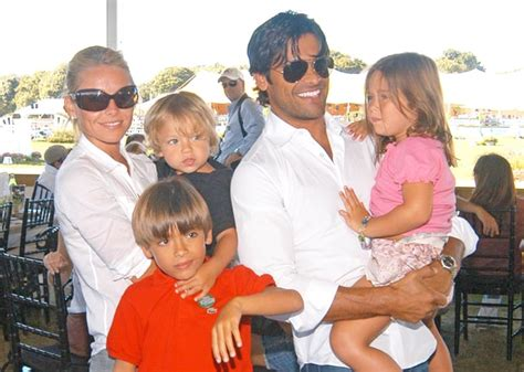 kelly ripa takes away daughter s phone computer michael lola and joaquin consuelos then celebrity kids