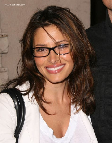 Sarah Shahi   Light long hairstyle for ladies who are wearing glasses