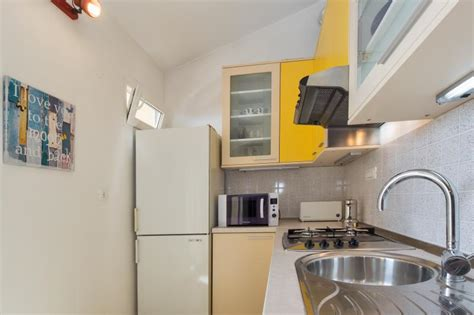 sea apartment updated 2019 2 bedroom apartment in stobrec with central heating and air
