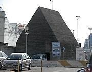calata porto di massa quella piramide al porto 232 uno storico rifugio bellico