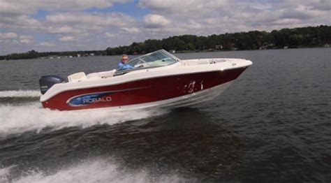 robalo r227 boat test robalo r207 2014 2014 reviews performance compare price