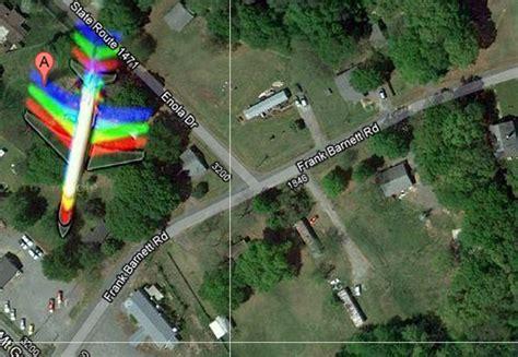 aneh pilot tertangkap kamera di area 51 penakan aneh digoogle maps id misteri misteri yang