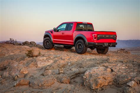 2019 ford f150 raptor 2019 ford f 150 raptor gets electronically controlled fox
