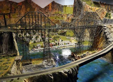 model train layout new jersey world s largest model railroad draws thousands in nj