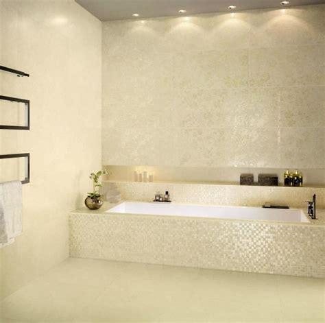 badewanne keramik keramik mosaikfliesen f 252 r wandgestaltung im badezimmer
