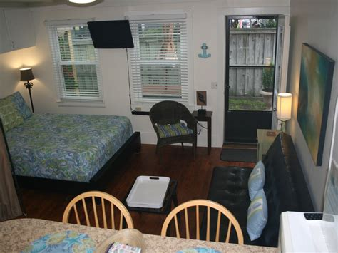 efficiency apartment in the of vrbo
