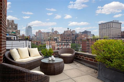 Manhattan Apartments Per Day Update Rakes It In On Greenwich Pad