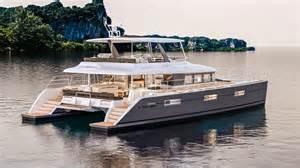 Floating Kitchen Island lagoon 630 motor yacht istion yachting greece