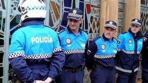 imagenes del uniforme de la nueva policia de la ciudad de bs as la generalitat no avala el cambio de uniformes de la