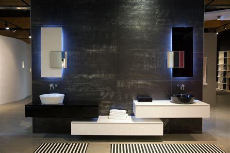 Badezimmer Modern Dunkel by Badausstellung Dunkles Bad