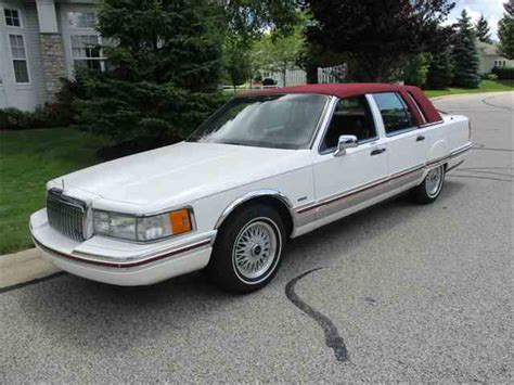 lincoln executive town car classic lincoln town car for sale on classiccars 36