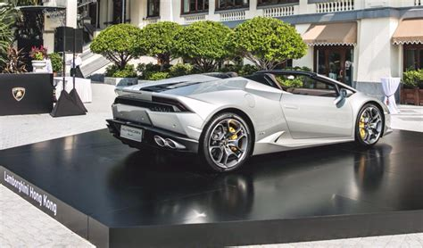 Lamborghini Silver White silver lamborghini huracan spyder shows up in hong kong