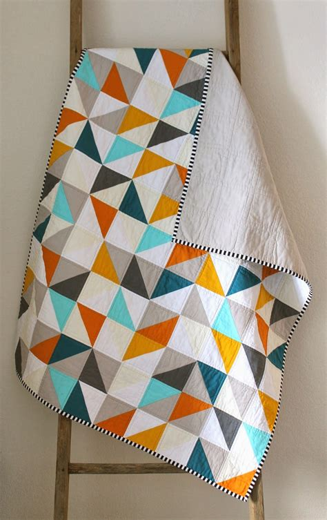 geometric pattern quilt warms cools geometric baby quilt craftyblossom