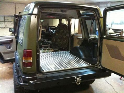 land rover rusty discovery rust boot sills and wings landyzone land