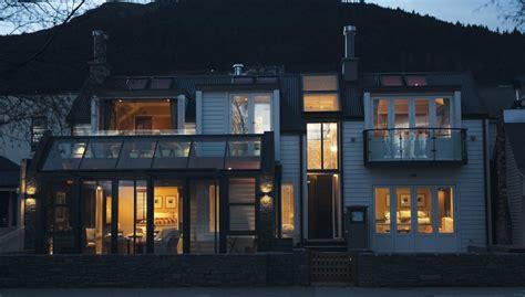 queenstown appartments eichardt s lakefront cottage suites queenstown new zealand