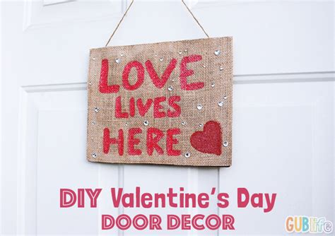 Creative Craft Ideas For Home Decor by Diy Valentine S Day Door Decor Gublife