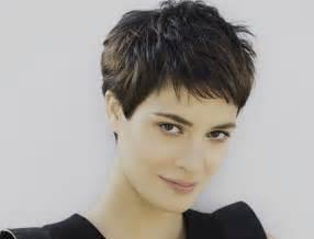 coupe cheveux court une coupe tendance et f 233 minine