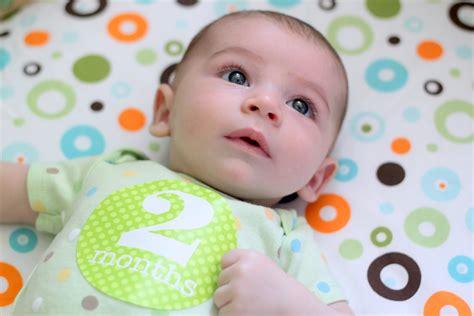 H Mes Look Like conoce a tu beb 233 de 2 meses en sus diferentes desarrollos