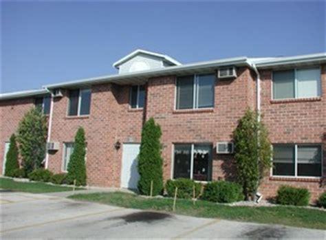 Pet Friendly Apartments Near Green Bay Wi Bayview Estates Apartments Green Bay Apartments For Rent