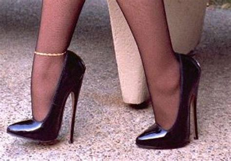 extremely high heels from high heels to what heel height is high