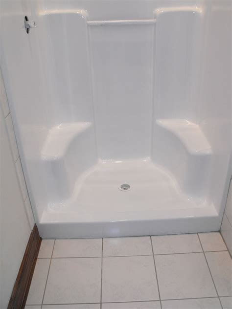 Reglazing A Bathtub by Bathtub Refinishing Cleveland Oh Bathtub Reglazing