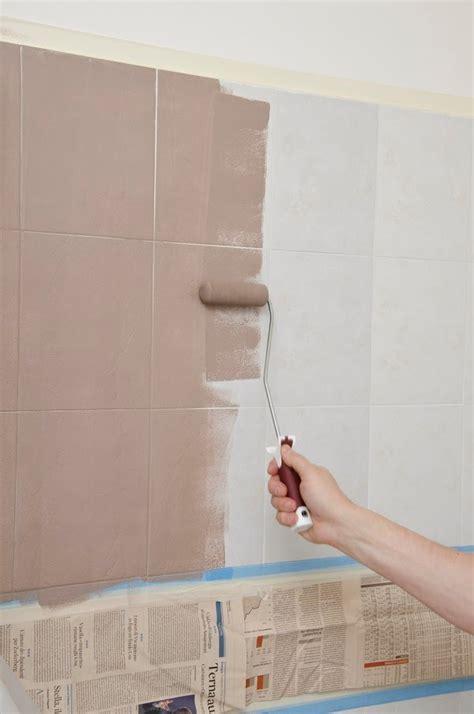 pitturare le piastrelle rinnovare il bagno senza togliere le piastrelle