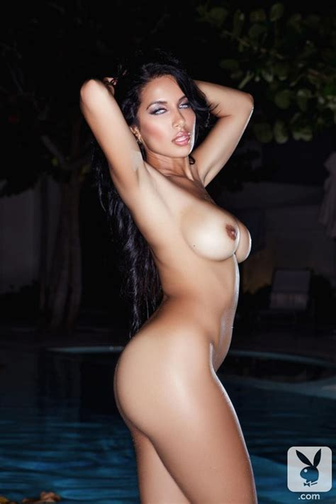 Beautiful Nasia Jansen Posing Naked In The Pool Of