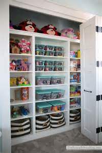 now thats an organized play closet side up a