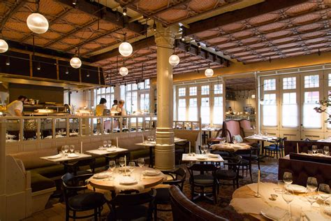 chiltern firehouse how to get a table at chiltern firehouse without being famous bloomberg