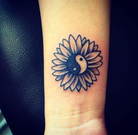 yin yang wrist tattoo best 25 yin yang tattoos ideas on yin yang