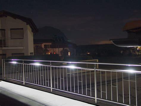beleuchtung stiegenhaus aussenbreich led handlauf beleuchtung led edelstahl