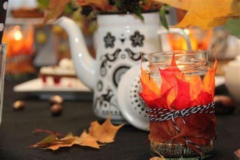 deko blätter herbst 2616 in herbstlaune mit kaffee und kuchen tischlein deck dich