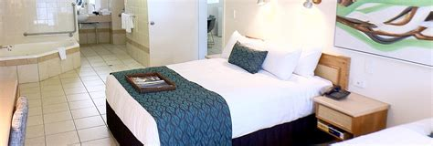 1 Bedroom Apartment by Mission Beach Spa Apartment Castaways Resort Amp Spa