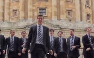shakira whenever wherever testo virale 15 studenti di oxford in giacca e cravatta