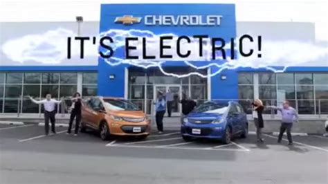 car ads 2017 chevy bolt ev nationwide sales moved up to august for